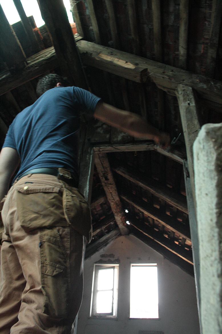 Verschiedene Dachboden Foto Von Arbeiten Auf Dem