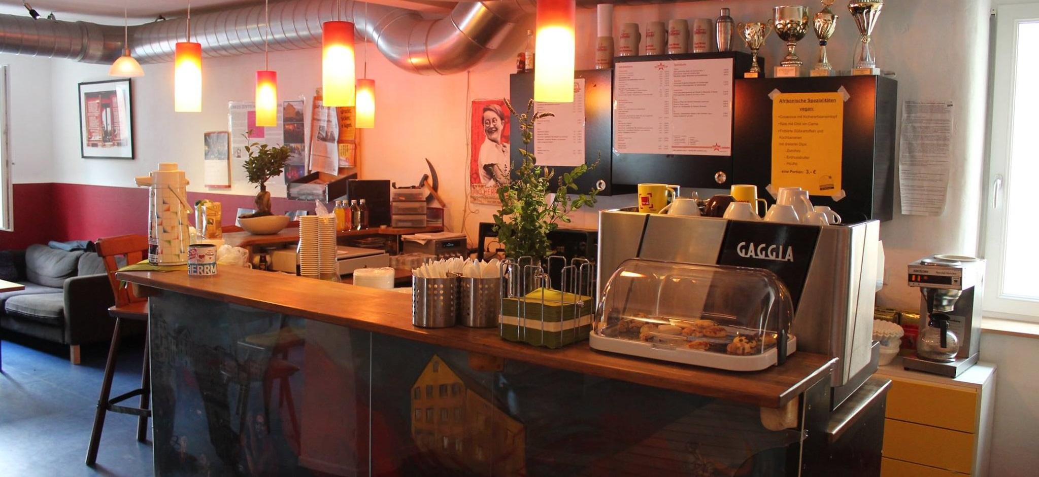 Theke Vom Cafe Sudstern Linkes Zentrum Lilo Herrmann